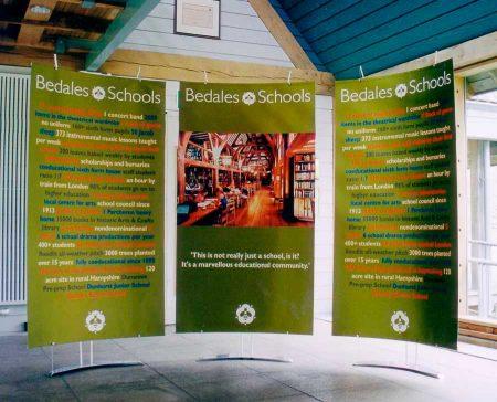 Floor standing pop up fabric banner displays for exhibitions