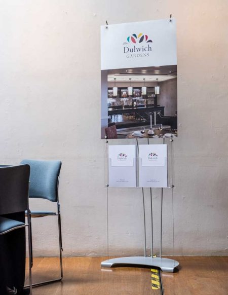 Combined banner and brochure display stand