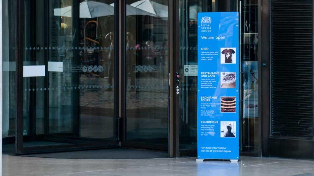 acrylic rigid banner stand