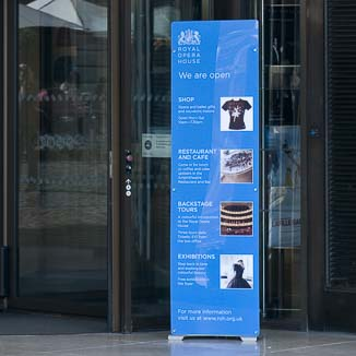 free standing rigid banner stand