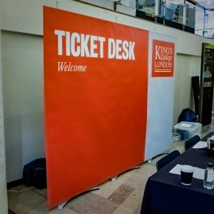 banner display system for event registration