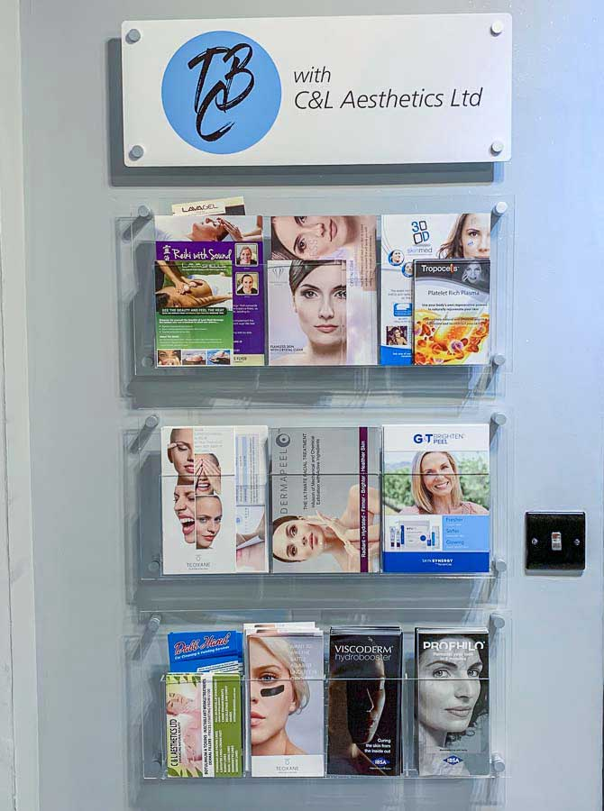 wall mounted printed perspex brochure display