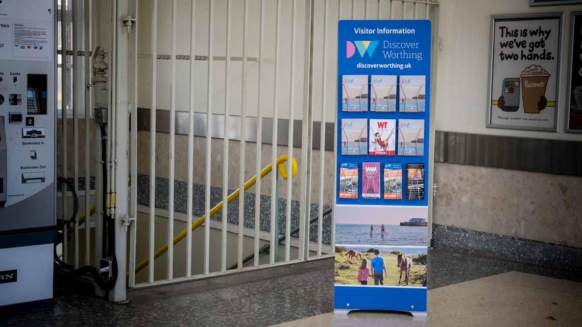 rigid banner brochure display stand